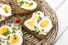 Healthy whole wheat sandwiches with eggs Royalty Free Stock Photography