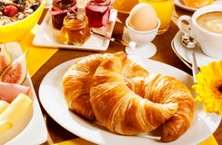 Healthy wholesome breakfast Royalty Free Stock Photos
