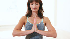 Healthy woman practicing meditation yoga Royalty Free Stock Photos