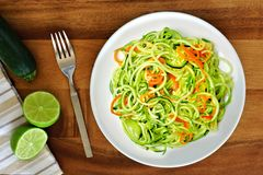 Healthy zucchini noodle dish, overhead view Stock Photography