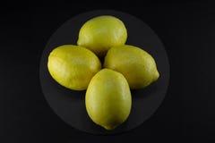 Healty οργανικός φυσικός κίτρινος νωπών καρπών λεμονιών Στοκ Φωτογραφία