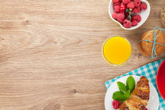 Healty breakfast with muesli, berries, orange juice, coffee and Royalty Free Stock Photography