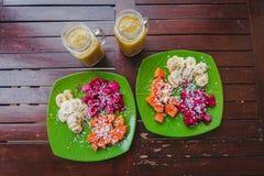 Healty fruktfrukost arkivfoton