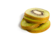 Healty Kiwi Fruit Slices Isolated no branco Imagens de Stock Royalty Free