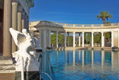 Hearst Schloss - Neptun Pool Stockbild