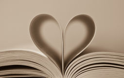 Heart from book pages Royalty Free Stock Images