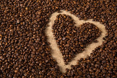 Heart in coffee beans Royalty Free Stock Photography