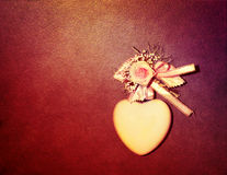 Heart on grunge background Royalty Free Stock Photos