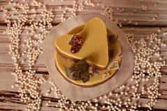 Heart shape caramel cake Royalty Free Stock Photos
