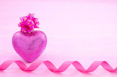 Heart shaped gift Royalty Free Stock Images