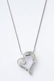 Heart-shaped Halskette lizenzfreies stockfoto