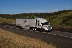 Heartland Express / White Kenworth Semi-Truck Stock Photos