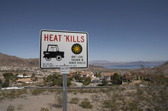 Heat Kills sign near lake Mead. (boulder city, Nevada) to warn people against thr heat and the risk of leaving children ia a car Stock Image