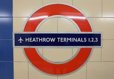 Heathrow metra lotniskowy znak Zdjęcie Royalty Free