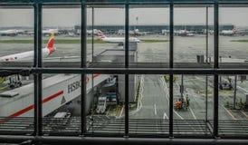 Heathrow, terminal 5, Londres, R-U - 25 septembre 2017 : Regard d'o Images stock