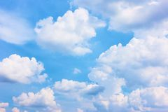 Free Heavens - Blue Sky With White Clouds Royalty Free Stock Images - 136298589