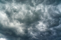 Heavy clouds. Dark sky with a heavy clouds ready to storm Royalty Free Stock Photos