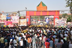 Heavy crowd trying to get into Ramlila (dramatic folk re-enactment of the life of Rama) Ground Stock Photography