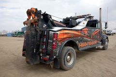 A heavy-duty tow truck Royalty Free Stock Photos