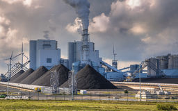 Heavy industrial coal powered electricity plant Royalty Free Stock Photos