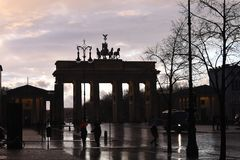 HEAVY RAIN spadek W NIEMIECKIM kapitale BERLING zdjęcia stock