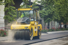 Heavy Vibration roller compactor at asphalt pavement Stock Photography