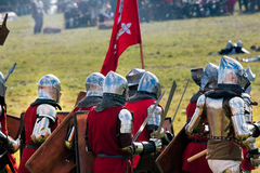 Heay装甲的中世纪骑士 免版税库存图片