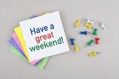 Heb een groot de notabericht van de weekendonderbreking stock foto