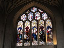 Heben Sie Ihre Augen an, um die Schönheit in einer Kirche zu erblicken stockfoto