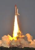 Heben Sie weg! Raumfähre löscht den Kontrollturm! Stockbild