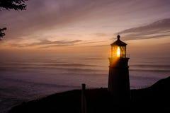 Heceta gehen Leuchtturm bei dem Sonnenuntergang voran, im Jahre 1892 aufgebaut Lizenzfreie Stockfotos