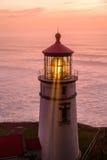 Heceta gehen Leuchtturm bei dem Sonnenuntergang voran, im Jahre 1892 aufgebaut Lizenzfreie Stockbilder