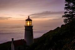 Heceta gehen Leuchtturm bei dem Sonnenuntergang voran, im Jahre 1892 aufgebaut Lizenzfreies Stockfoto
