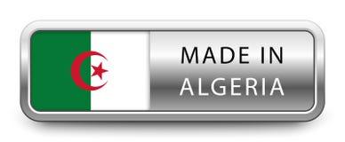 HECHO EN la insignia metálica de ARGELIA con la bandera nacional aislada en el fondo blanco stock de ilustración