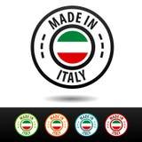 Hecho en las insignias de Italia con la bandera italiana Fotos de archivo