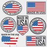 Hecho en sistema de etiqueta de los E.E.U.U. con la bandera, vector Fotos de archivo