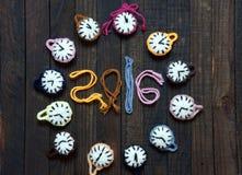 Hecho a mano, reloj, Feliz Año Nuevo 2016, tiempo Imagenes de archivo