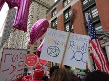 Hednisk häxeri, stolta Wiccan, mars för kvinna` s, Central Park, NYC, NY, USA Royaltyfri Bild