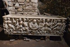 Hednisk sarkofag arkivfoton