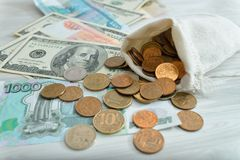 Heel wat geld, roebels, dollars Royalty-vrije Stock Afbeeldingen