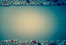 Heel wat kleurrijke medicijn en pillen Stock Foto's