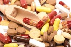 Heel wat kleurrijke medicijn en pillen van hierboven Stock Afbeeldingen