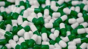 Heel wat medische capsules stock footage