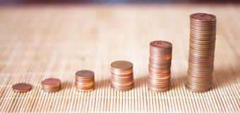 Heel wat muntstukken in een stapel Stock Foto