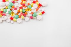 Heel wat pillen en vitaminen De ruimte van het exemplaar Het concept geneeskunde, ziekte, gezondheid Stock Afbeeldingen