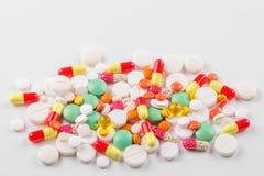 Heel wat pillen en vitaminen Het concept geneeskunde, ziekte, gezondheid Royalty-vrije Stock Afbeeldingen