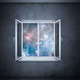 Heelal in venster (elementen die door NASA worden geleverd) Royalty-vrije Stock Foto's