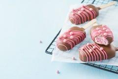 Heemst als Roomijs wordt en met roze suikergoed wordt verfraaid gevormd die dat stock foto