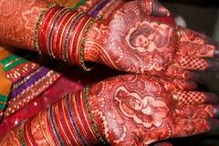 Heena de jeune mariée d'Inde - Inde photos libres de droits