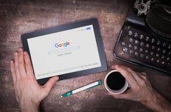 HEERENVEEN NEDERLÄNDERNA - JUNI 6, 2015: Google är en amerikansk multinationell korporation Royaltyfria Foton
